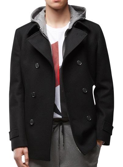 Caban, veste croisée près du corps moderne.