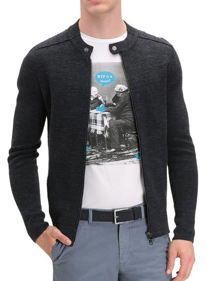 T-shirt pour homme en coton pima délavé.