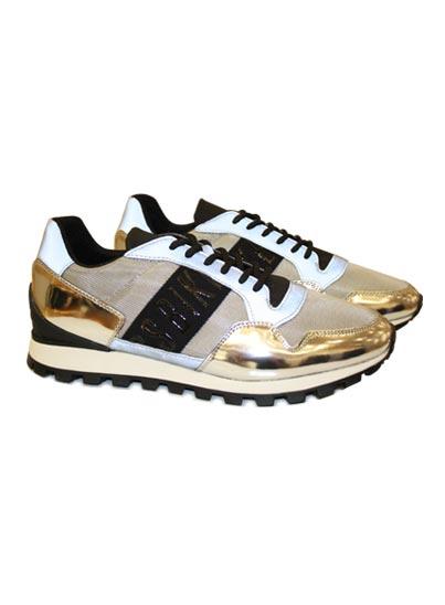 Chaussure basse de sport pour homme.