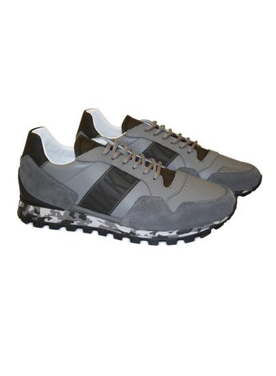 Chaussure de sport pour homme.