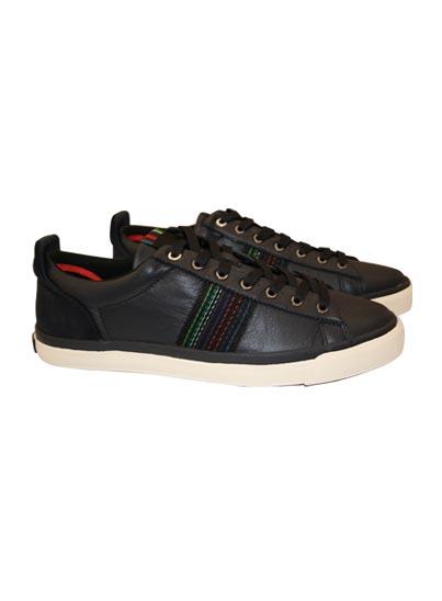 Chaussure, empiècements en cuir suédé ton sur ton avec des oeillets métalliques.