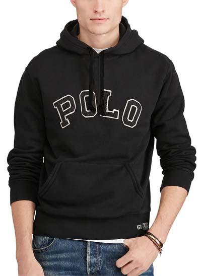 """Sweatshirt doté de patchs """"Polo"""" en feutre, ce sweat à capuche arbore un style distinctif d'inspiration universitaire."""