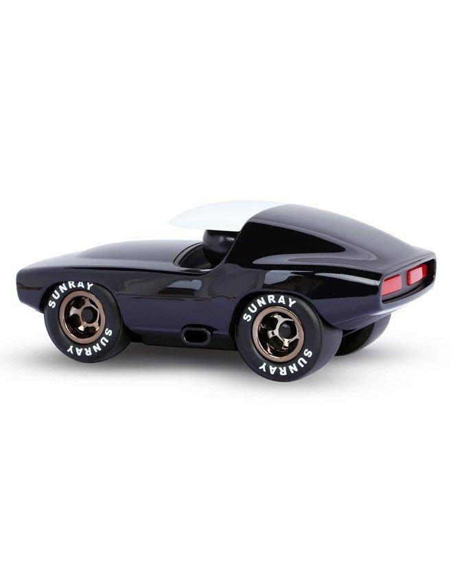 Voiture déco Playforever. Les constructeurs automobiles de Detroit ont vu ce que faisaient les hot rodders à la fin des années 60.